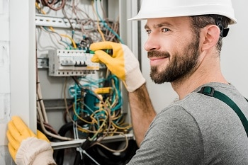 commercial electrical contractor brisbane